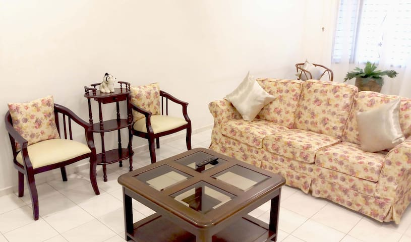 Cozy retreat with 3 bedrooms in JB City Centre- 民宿