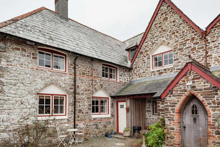 Miss Trimble's, cosy Cornish cottage in Morwenstow