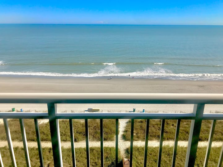 Oh, What a View! Oceanfront 2 BR At the Camelot