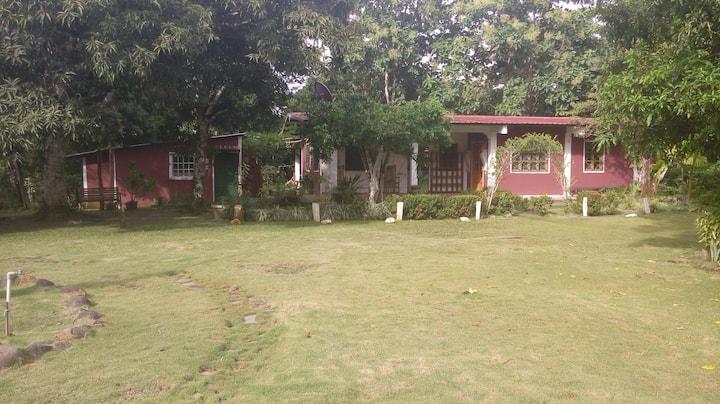 Villa del Carmen, hospedaje campestre rural.