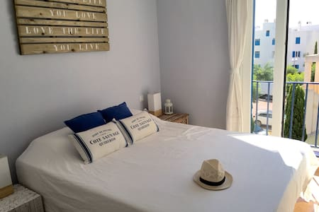 Seafront beautiful apartment - Santa Eulària des Riu - Lägenhet