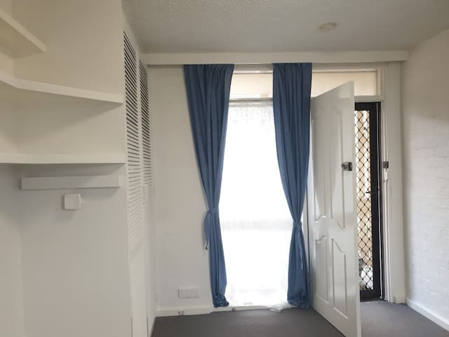 Live like a local in St Kilda  - 1 Bedroom Studio