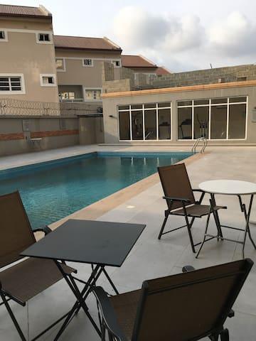 Cosy En-suite Room in Modern Flat (VI/Oniru) - Lagos - Appartement