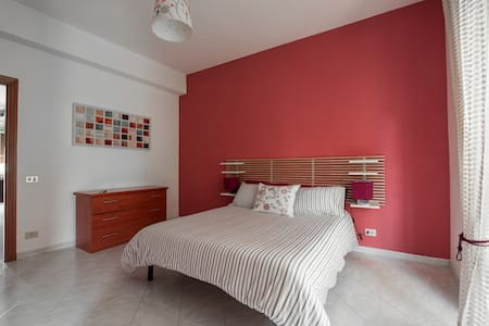 LOVELY WHOLE APARTMENT- LAPTOP WIFI - Roma
