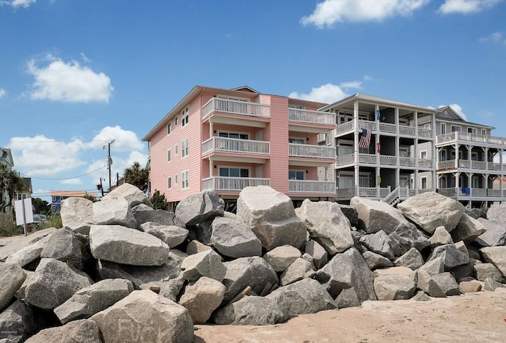 Enjoy Oceanfront Fully Equipped 2BR Beach Condo