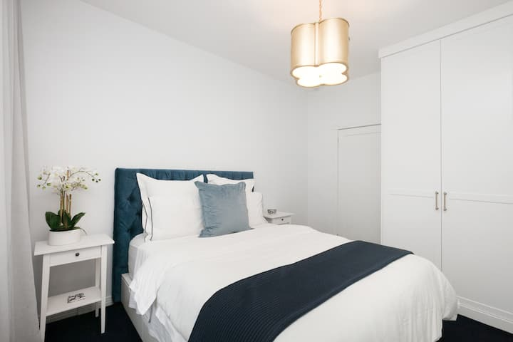 Newly renovated 1 bed in the heart of Double Bay