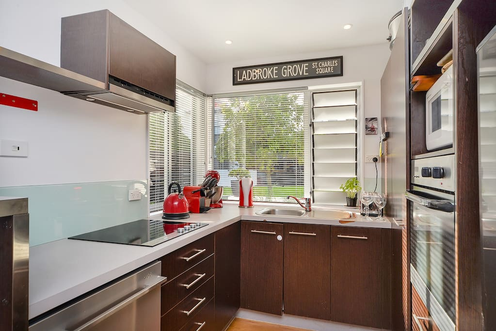 Fully equipped kitchen will plenty of extras.