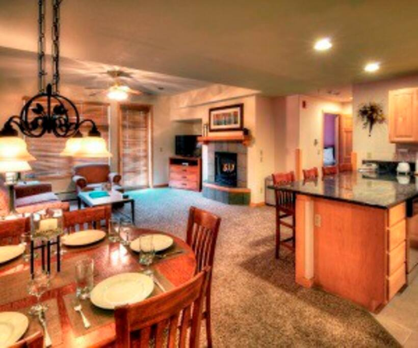 Beautiful and spacious living and dining area