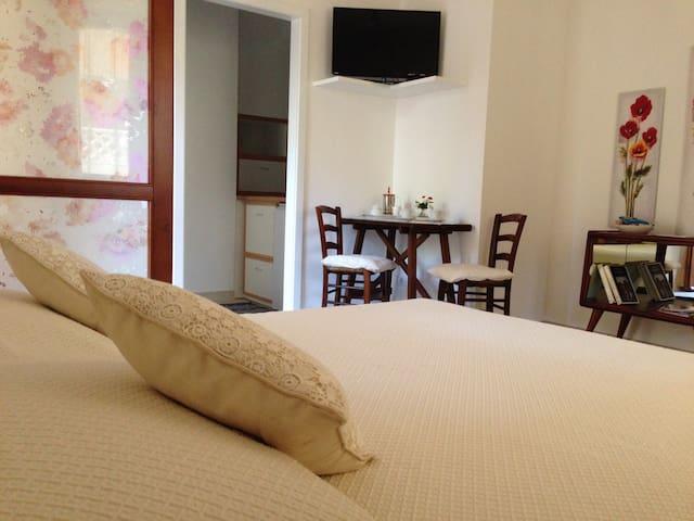 Monolocale indipendente con cucina - Capoterra - Apartemen