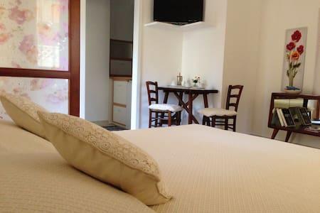 Monolocale indipendente con cucina - Capoterra - Apartamento
