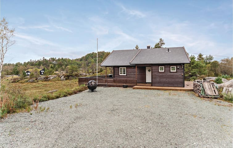 Holiday cottage with 3 bedrooms on 80m² in Kvinesdal
