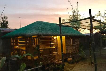 1BR Hut Near Port to Quezon Beaches - Pagbilao - Hütte