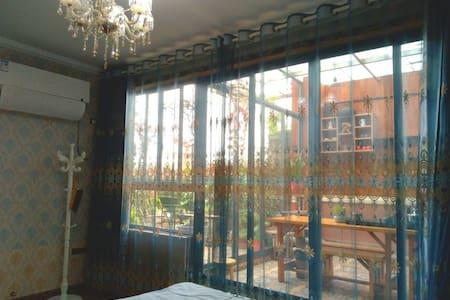 地暖时代经典三房复式loft茶艺房