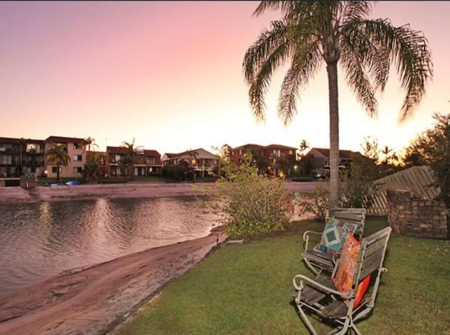 Mooloolaba Beach Canal frontage Entire Apartment