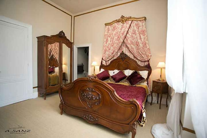 Luxury Chateau Chambre Louis XV