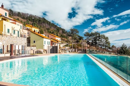 Boutique Holiday Home in Magliolo with Swimming Pool