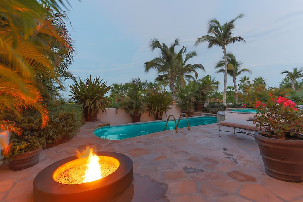 Luxuriant private patio with fire pit