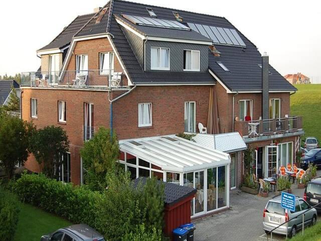 NordseeResort Hotel & Suite Arche Noah, (Horumersiel-Schillig), Ferienwohnung, 40-68qm mit Balkon oder Terrasse