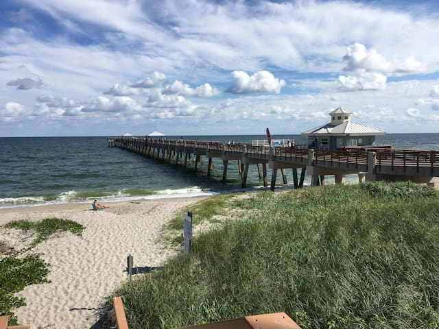 Fishing pier 15 minutes from Key West guest house.