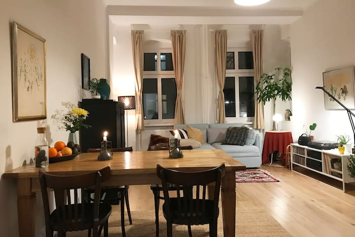 Cosy room in attractive neighbourhood of Neukölln
