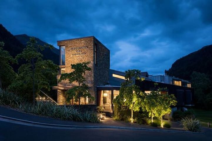 Boutique 5* Hotel in the Heart of Queenstown
