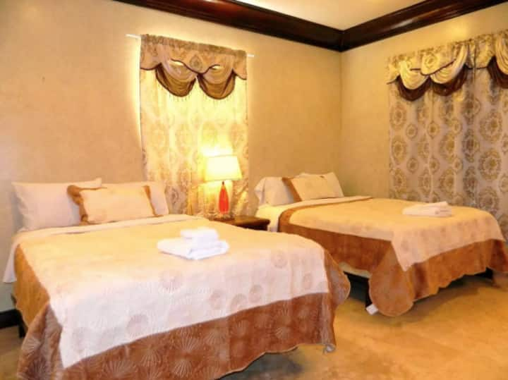 ♖The Mansion♖ Guest room 1 w/Private bathroom