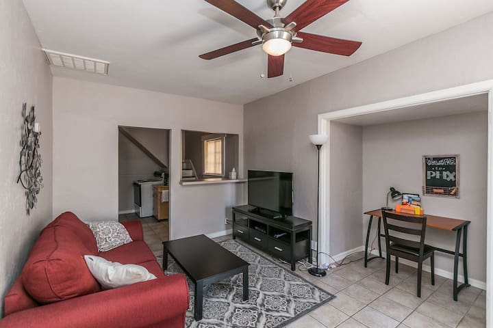Cute Walkable Downtown Phoenix Apartment
