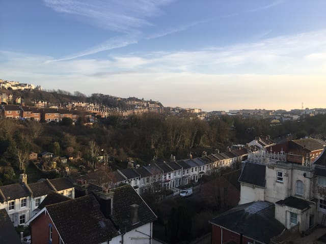 Period Loft Apartment with Stunning Views - Hastings - Pis