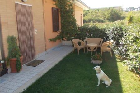 Casa indipendente vacanza - Marina di Massignano - Talo
