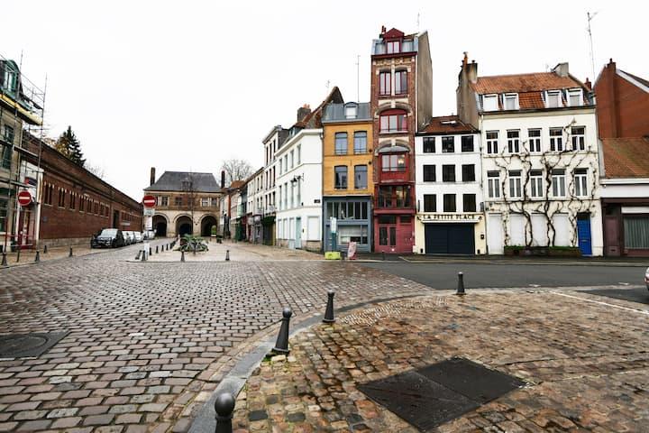[Vieux-Lille] Studio 10 minutes à pied des gares