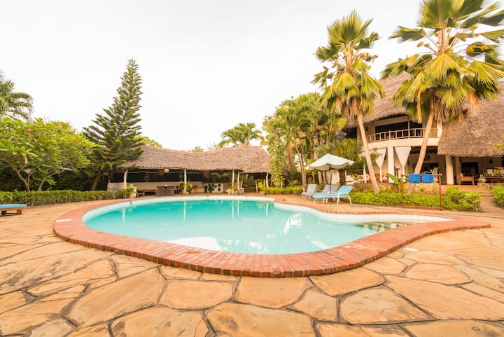 Diani home 300m from the beach