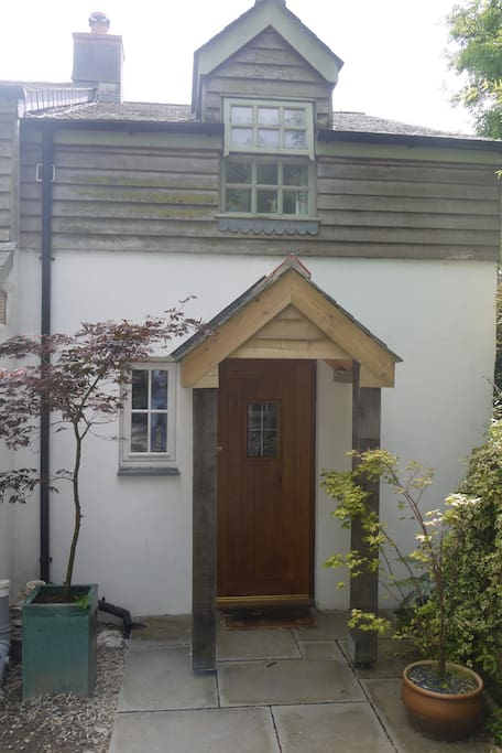 Front entrance to Annexe