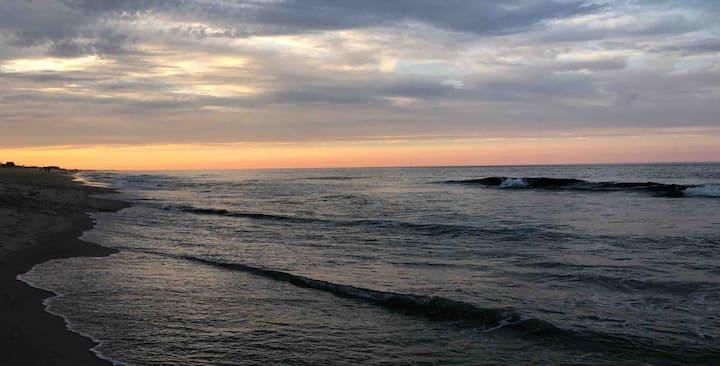 Beach Haven Tiki #3 - Only a few feet to the Ocean
