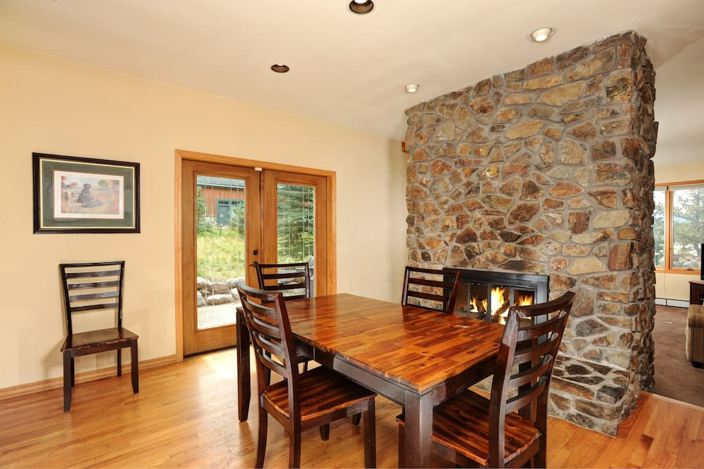 Enjoy your dinner in front of the fireplace