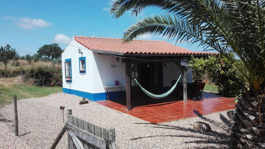 Casita Oliva, cottage with use of pool.