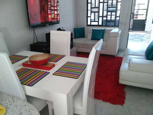 place to relax and enjoy the weekend with breakfas - Melgar - Casa