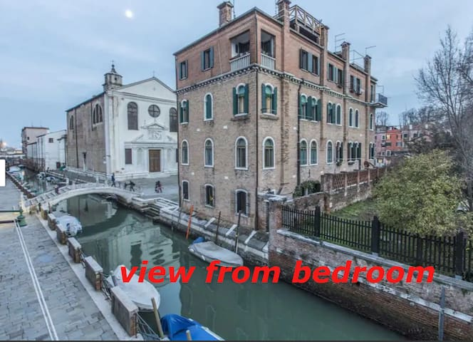 Susy Biennale Apartment -canal view and gardens
