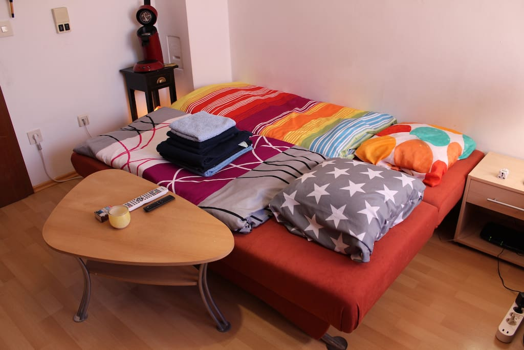 The sleeping couch prepared with ceilings etc.