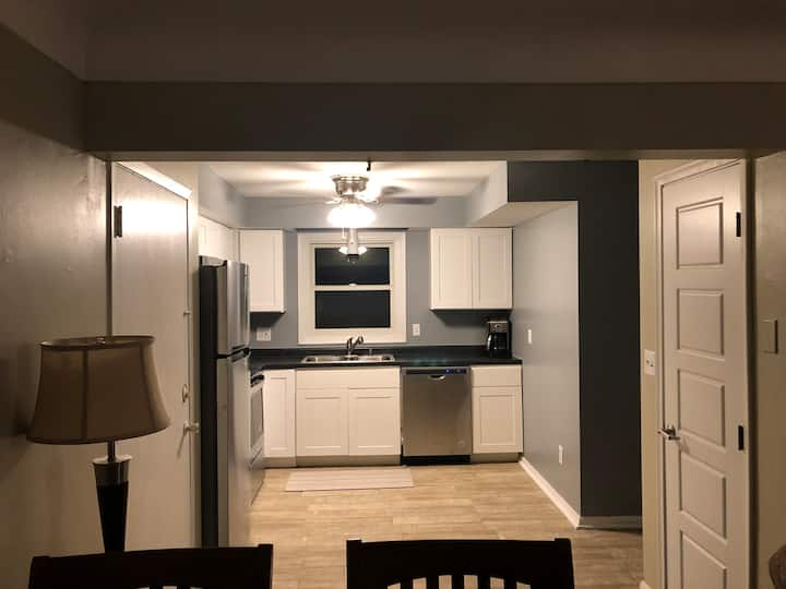 Private Apartment in Minneapolis near Airport & VA