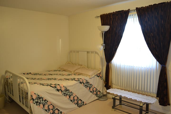 Clean, tidy and spacious private room