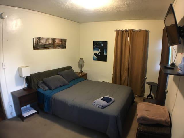 Large Bedroom in Hollywood - Los Angeles - Apartamento