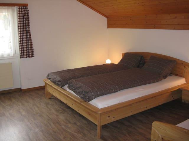 2 bedroom apt in Park Ela
