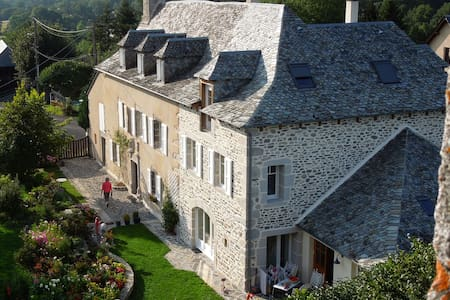 La Caminade, chambre Mirabel - Bed & Breakfast