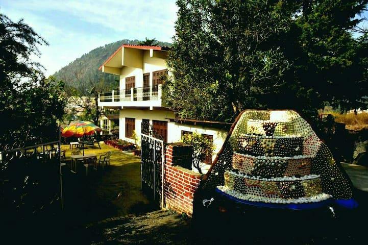 Rendezvous 7 Milestone Hill Villa - Bhimtal - Dom