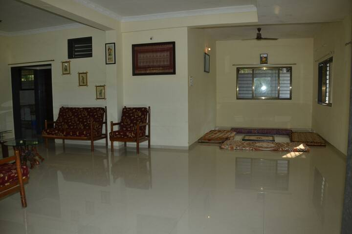 Shantivan single room & hall ...With lake view - Mulshi