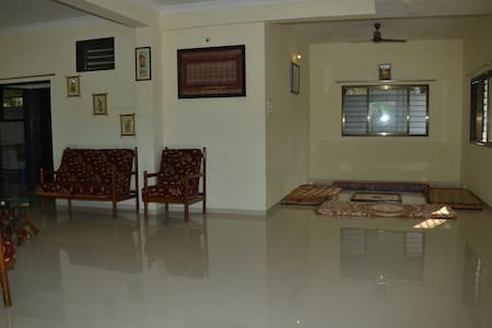 Shantivan single room & hall ...With lake view - Mulshi