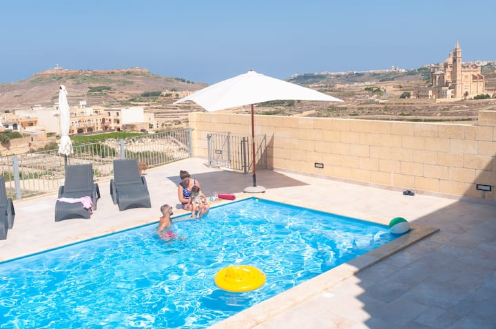 Gozo house with pool, views & king size bed!