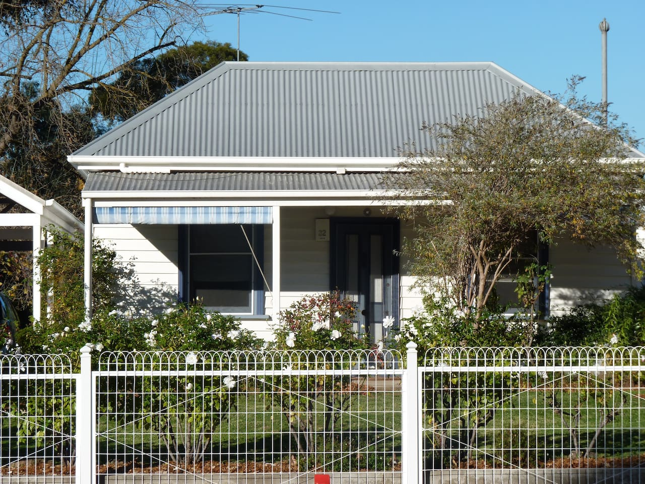 The Cottage, a quaint and comfortable place to stay while you're in Wangaratta.