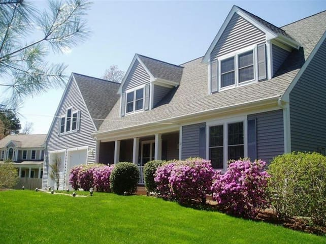 Beautiful 1br in the heart of Mashpee