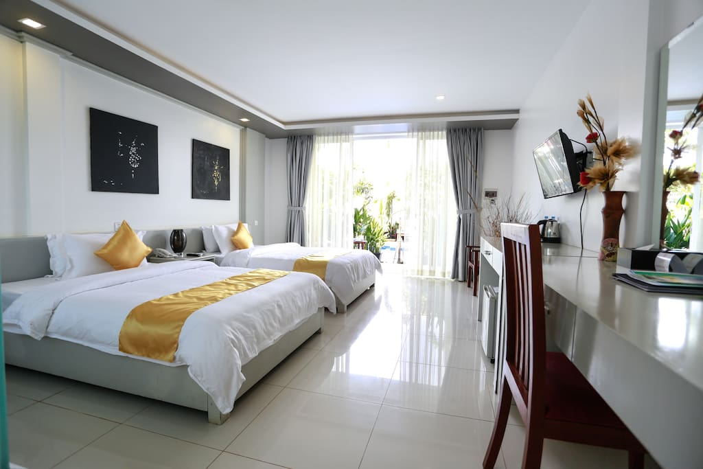 Deluxe Twin Room with balcony and pool view